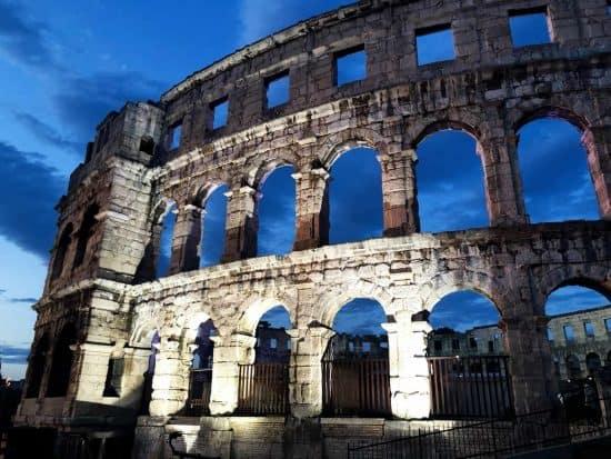 Pola: Piccola Perla Romana in Istria